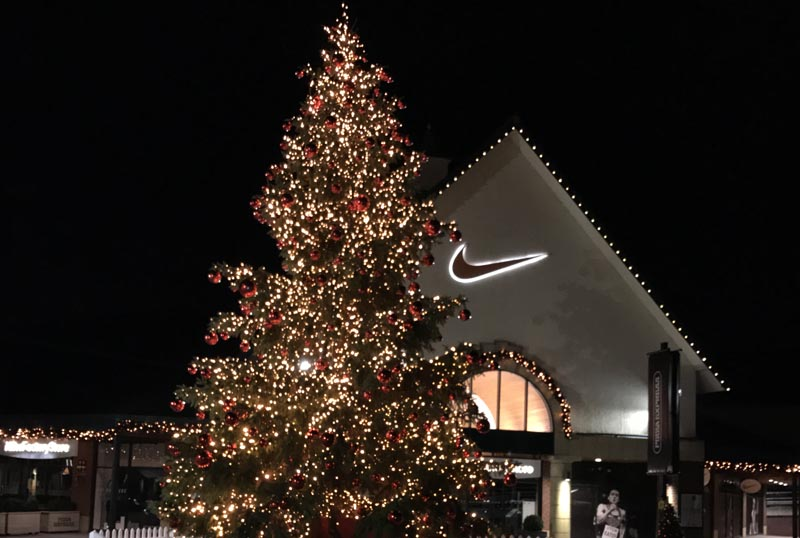 Commercial Christmas Decorations Uk.Corporate And Commercial Decoration Specialists Decx